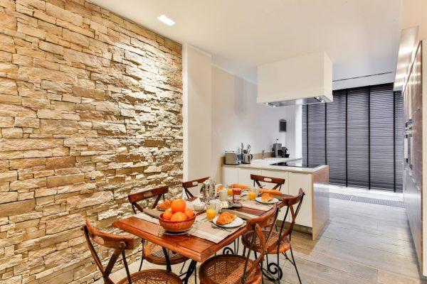 dining-room-2132347_1920